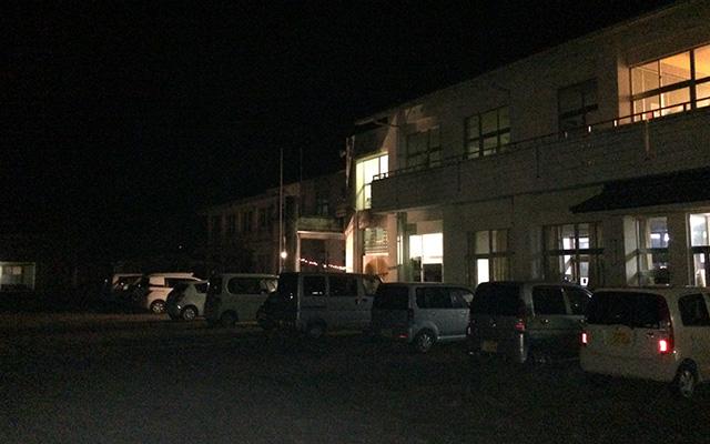 夜の旧去川小学校