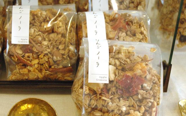 3周年感謝祭 カワチ製菓さんのお菓子販売(昨年の様子)